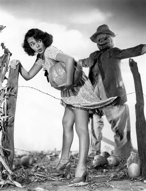 Vintage Halloween Hollywood Actress Pin Ups