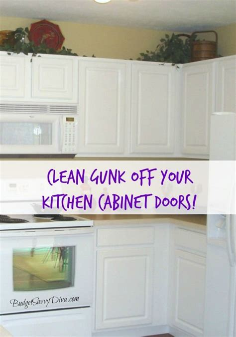 tips for cleaning kitchen cabinets 1000 images about budget tips on 8535