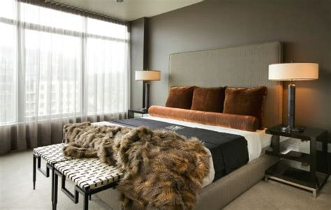 Schlafzimmer Braune Wand by How To Decorate A Bedroom With Brown Walls
