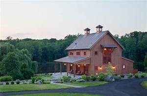 Pole barn house pictures that show classic construction for Barnhouse exteriors