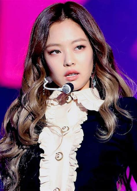 jennie kim height weight age body statistics healthy