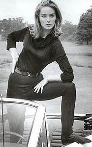 Jill Masterson in Goldfinger, 1964 (Shirley Eaton) | Bond ...