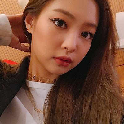 It looks real because in this app can add real time shadow, you can adjust the shadow to make. jisoo selfie | Tumblr