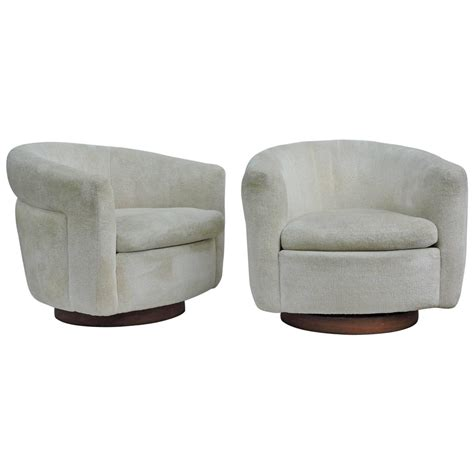 milo baughman swivel chair milo baughman swivel chairs for thayer coggin at 1stdibs