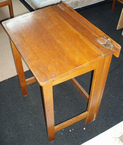 bureau ecolier bois bureau ecolier bois pliable vintage les vieilles choses