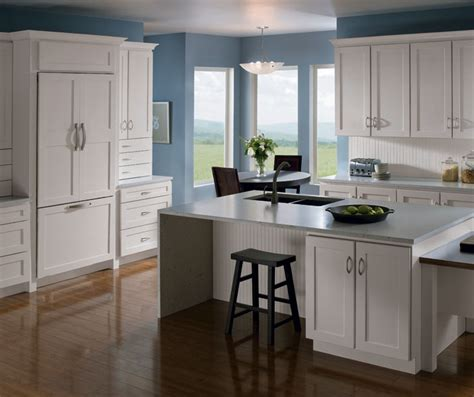 painting maple kitchen cabinets kitchen with painted maple cabinets homecrest 4049