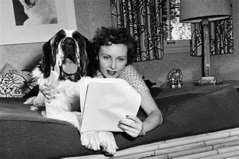 Her role as the happy homemaker won view image. Betty White's Home In The 1950s Had Style, Plenty Of Dogs ...