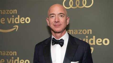 Must Read: Jeff Bezos Steps Down as Amazon CEO, Rebag ...