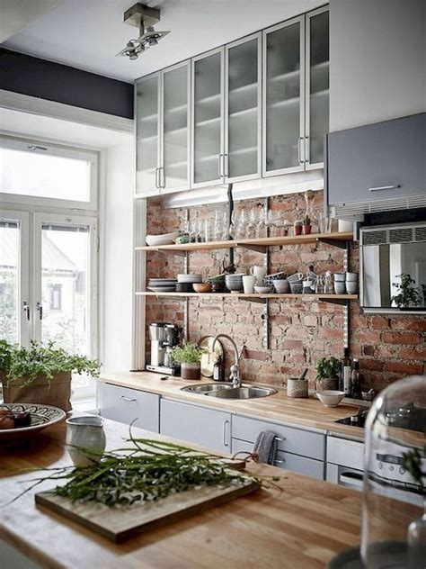 From planters to rockers to warm welcoming signs, these 50+ rustic farmhouse porch decor ideas are sure everyone knows about those classic house rules or kitchen rules, but a. 40 Best Modern Farmhouse Kitchen Decor Ideas And Design Trend In 2019 (1 | Brick wall kitchen ...