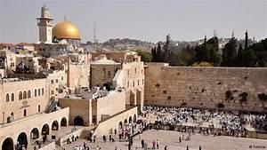 Israeli man shot dead at Jewish holy site in Jerusalem ...
