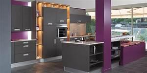 Cuisine moderne deco for Idee deco cuisine avec cuisine gris anthracite et bois