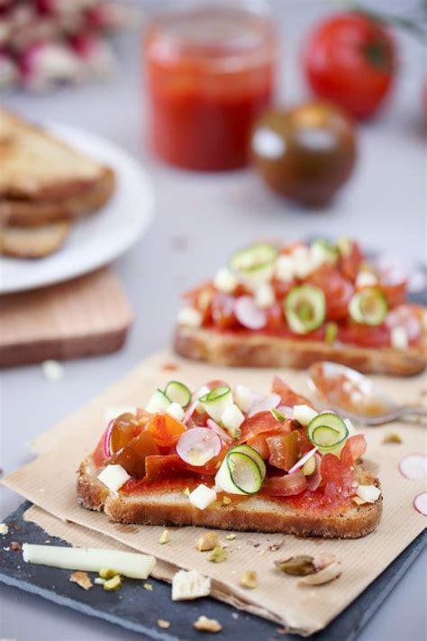 bruschetta aux tomates chorizo radis  courgette