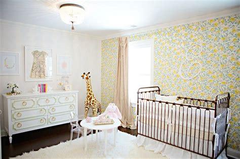 papier peint chambre b b fille chambre bébé fille 50 idées de déco et aménagement