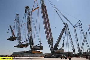 Liebherr LR 13000 crawler crane lifting a Liebherr LR ...