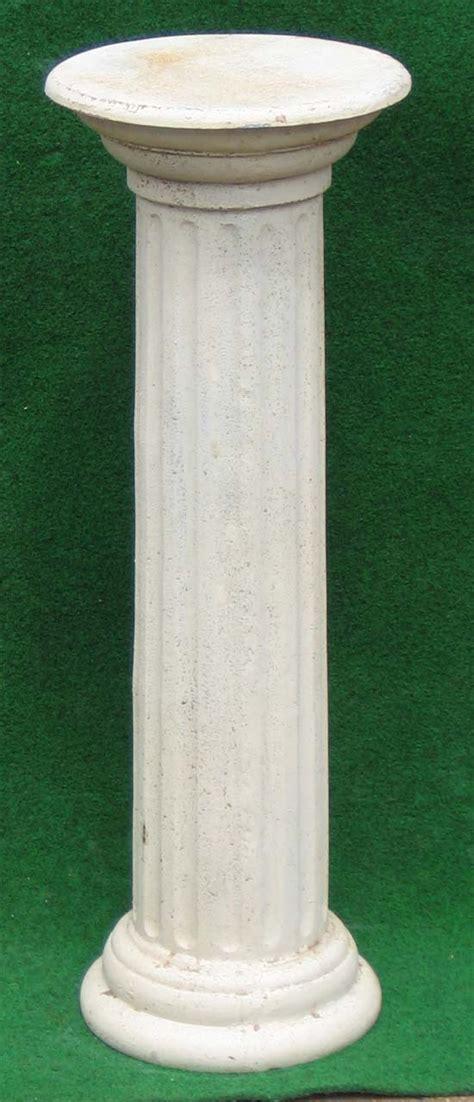 Schöne Säule Antik Weiss, Gartenpassion