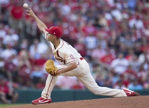 cardinals post  clunker  weaver  pounded