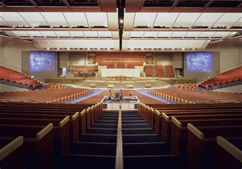 td jakes potters house in pictures america s 10 megachurches