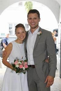 Hochzeitskleidung Für Gäste : outfits f r standesamtliche trauung ~ Orissabook.com Haus und Dekorationen