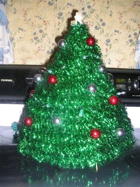 how to a make coat hanger christmas tree
