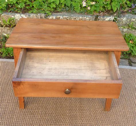 table basse ancienne en bois fruitier