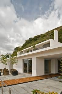 level house striking 4 level modern mountain house in jalisco mexico decor advisor