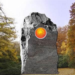 Grabsteine Preise Einzelgrab : findling grabstein einzelgrab mit glas stilvolle ~ Frokenaadalensverden.com Haus und Dekorationen