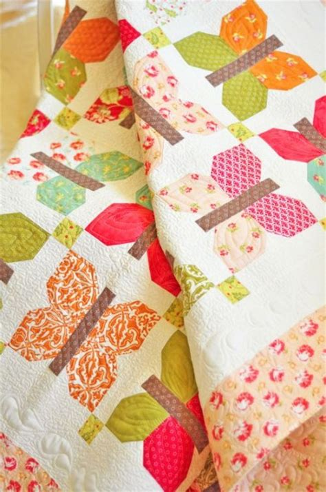 butterfly quilt pattern scrappy butterflies are so sweet quilting digest