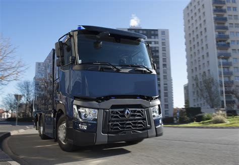renault truck 2016 bank of france takes delivery of armored 6x2 renault