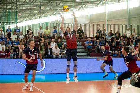 Latvijas volejbola izlase pārliecinoši uzvar Moldovu ...