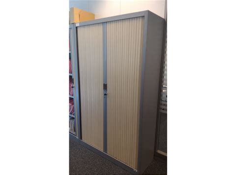 armoire de bureau occasion armoire occasion bois clair adopte un bureau