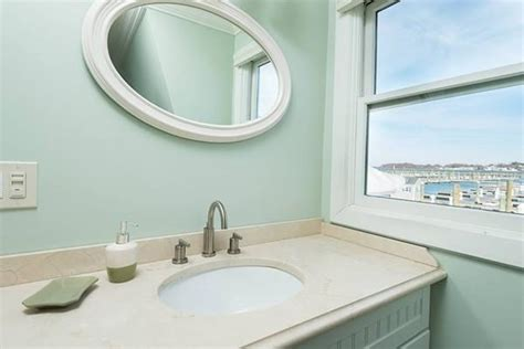 Boat House Quincy by On The Market A Two Bedroom Houseboat In Quincy