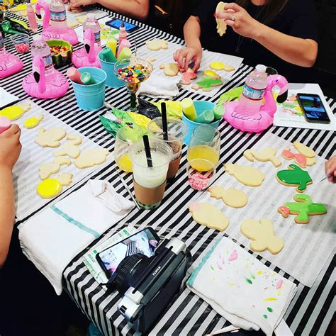 happy  year cookie decorating class sunday december