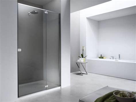 Ebenerdige Dusche Grau Weiss Sitzbank Gemauert Glasziegel