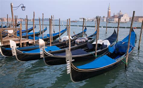 Filevenice Gondolas 4384 Wikimedia Commons