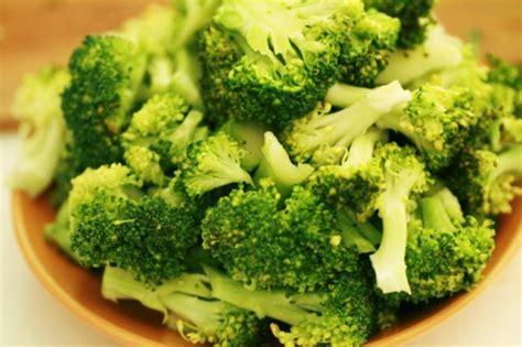 cuisiner le brocolis galette de brocoli au parmesan zekitchounette
