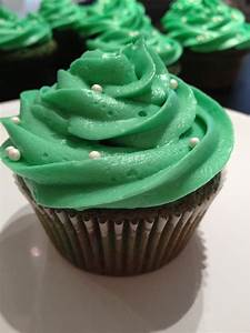 St. Paddy's Day: Green Velvet | Adventures in Cupcakes