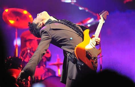 Prince's Top 10 (or So) Guitar Songs By Van Walker