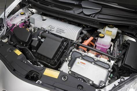 toyota car engine toyota prius hybrid 2010 engine img 8 it s your auto