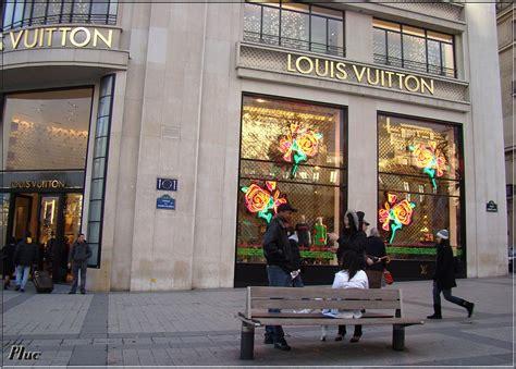 bancs de Paris 6, descente des Champs-Elysées