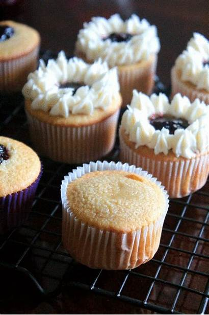 Vanilla Cupcakes Berry Filling Compote Mixed Manjuseatingdelights