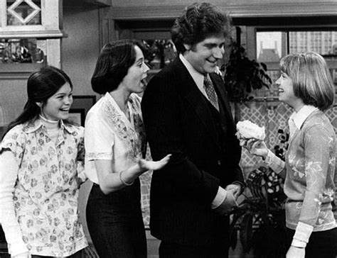Netflix Is Rebooting The Sitcom 'one Day At A Time' With A