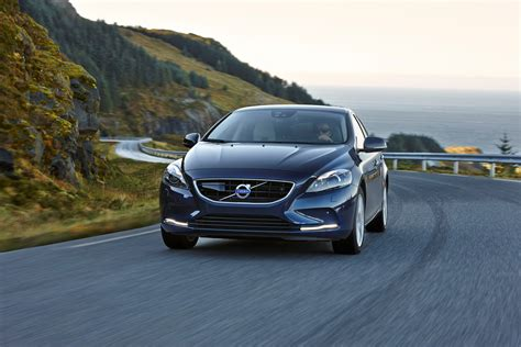 Volvo Drive by Volvo V40 D4 Adds New Drive E Powertrains