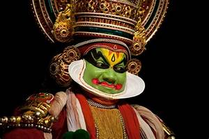 Brief History of Kathakali Dance - Yatramantra Holidays