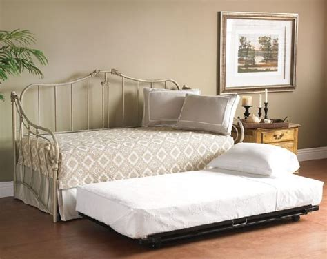 Craigslist Trundle Bed by 17 Best Images About Daybed Trundle On Home