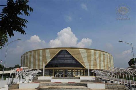 yogi arsitek gedung rektorat unpad jatinangor oleh mang
