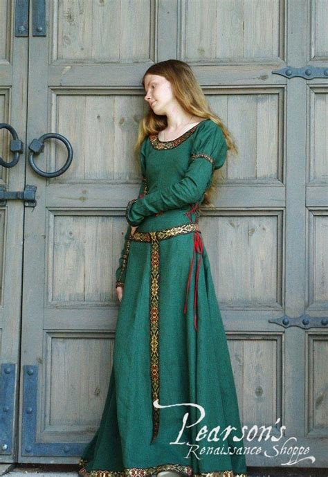 lady hunter medieval renaissance clothing costumes