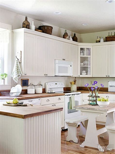 I know i sure do!!! 10 Stylish Ideas for Decorating Above Kitchen Cabinets ...