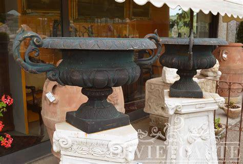 vasi in ghisa orvieto arte vaso in ghisa con manici