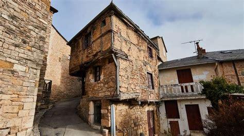 la plus maison la plus vieille maison de l aveyron fait le tour du monde s 233 verac le ch 226 teau aveyron midi