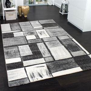 tapis design a carreaux motif tapis velours moderne en With tapis gris design